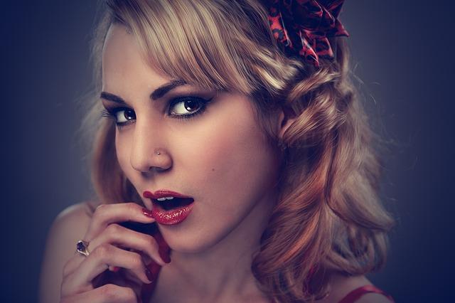 žena, blond vlasy