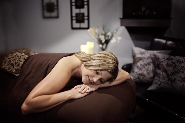 relaxovat u masáže