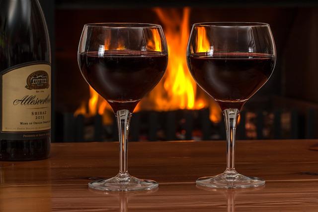 víno u krbu
