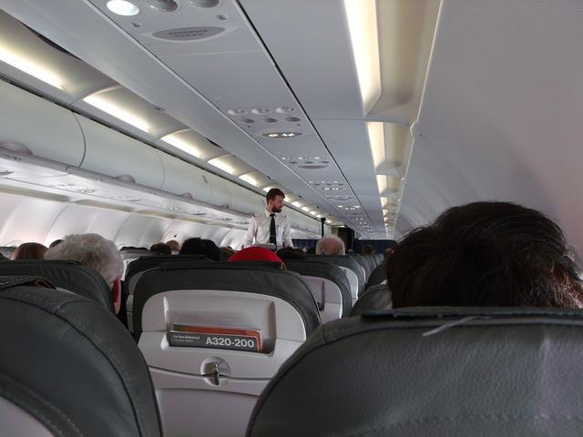 Interiér nízkonákladového letadla